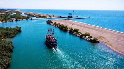 Место слияния реки Манавгат и Средиземного моря