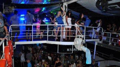 Side Nachtdisco auf Yacht